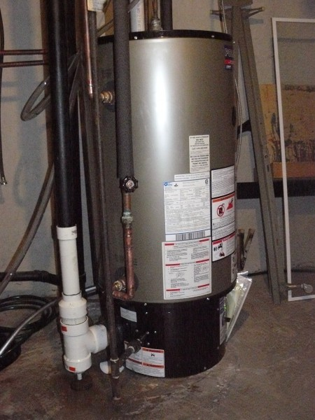 This is the newly installed Polaris 34G water heater with all new venting.