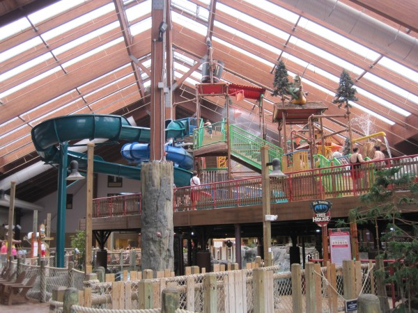 Picture of the indoor water park at the Great Escape Lodge, Queensbury, NY