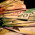 Image of Canadian cash in multiple denominations